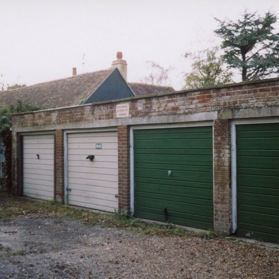 'Erin Cottages' environs, Well Lane.  11 October 2007