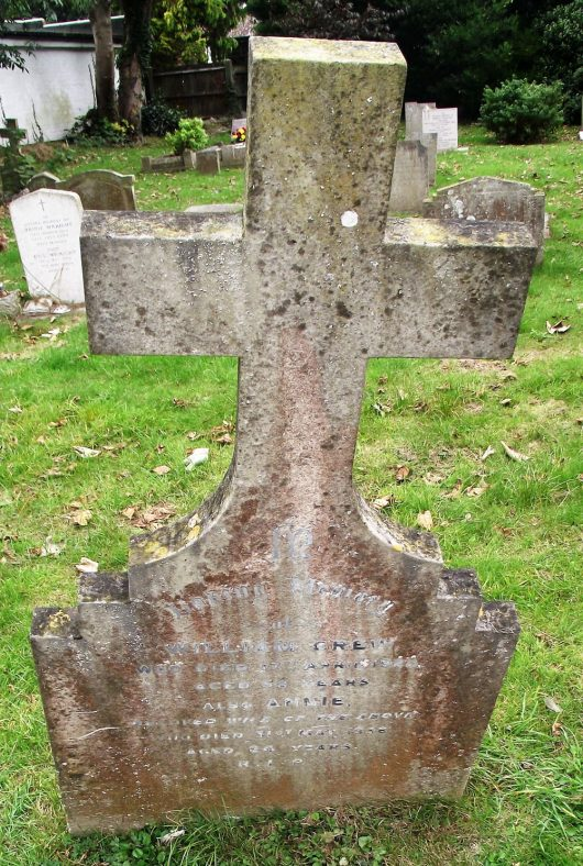 Gravestone of GREW William 1922; GREW Annie 1956