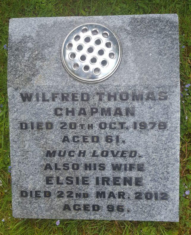 Gravestone of CHAPMAN Elsie Irene 2012; CHAPMAN Wilfred Thomas 1979   Dawn Sedgwick