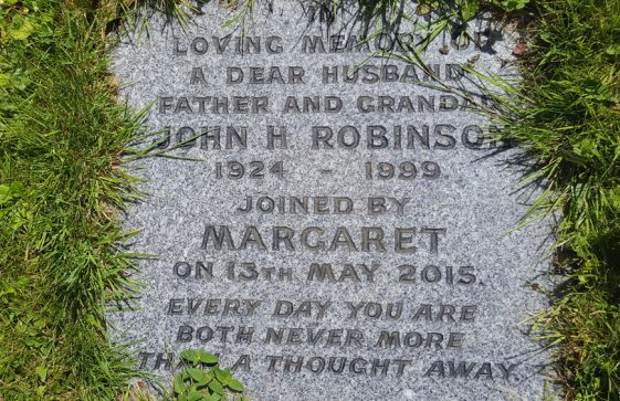 Gravestone of ROBINSON John H 1999; ROBINSON Margaret 2015