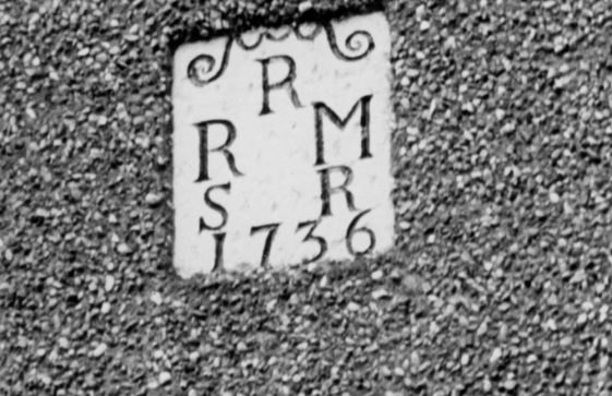 Date stone on Acardia Cottage High Street