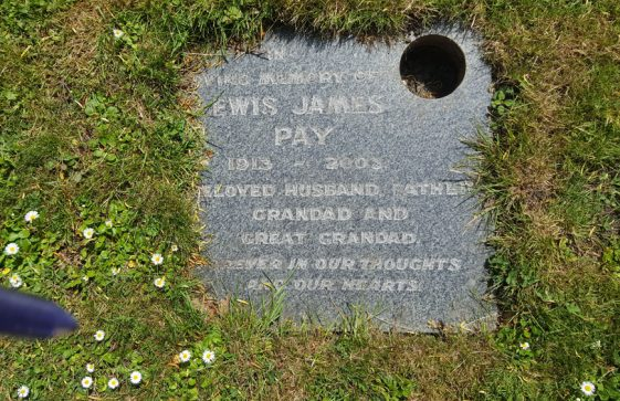 Gravestone of PAY Lewis James 2003
