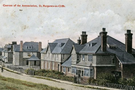 Convent of the Annunciade, The Droveway.  sent to Mrs Newman, postmarked 30 October 1906