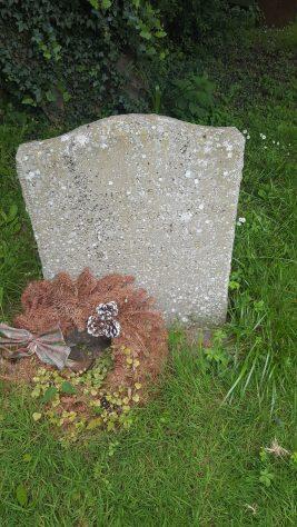 Gravestone of BAGLEY Kate Evelyn 1980; BAGLEY Leslie Buckland 1990