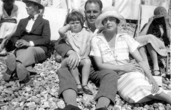 Denoon summer holiday on St Margaret's Bay beach. 1926 (Part 2)