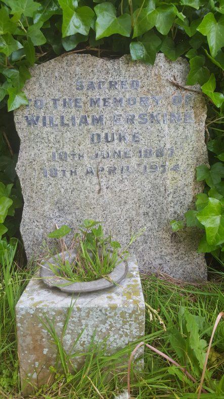 Gravestone of DUKE William Erskine 1974   Dawn Sedgwick