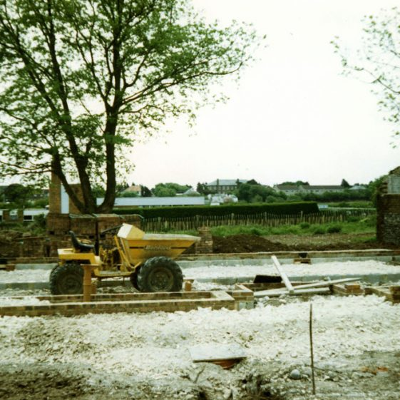 Building progress on the bungalow named 'Rosewood ' in Droveway Gardens. 1986