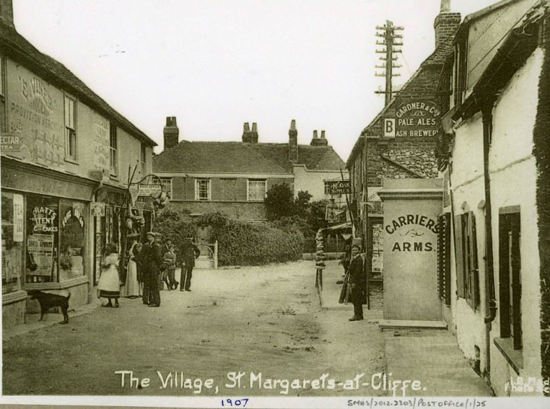 High Street, Madge's Stores, Carrier's Arms and Bay Tree Cottage. 1907