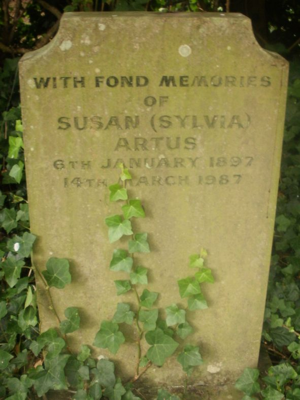 Gravestone of ARTUS Susan 1987 | Dawn Sedgwick