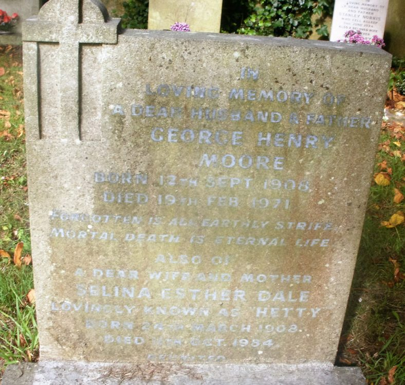 Gravestone of MOORE George Henry 1971; MOORE Selina Esther Dale 1984 | Dawn Sedgwick