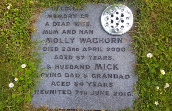 Gravestone of WAGHORN Molly 2000; WAGHORN Mick 2016