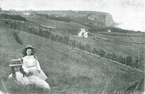 Looking eastward from the valley towards Brotherstone and The Bay. sent to Mrs Clayson, The Tea Rooms, Sea Street.
