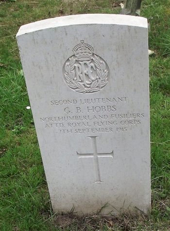 Gravestone and original grave marker of HOBBS, 2nd Lt. Geoffrey Brian 1915