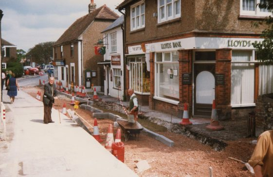 Road works in the High Street by Knott's Lane. 1986