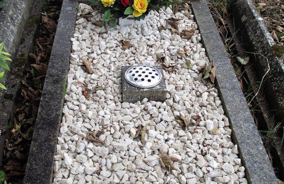 Gravestone of KEUTENIUS Desmond Keith 1961; KEUTENIUS Muriel Olive 2010