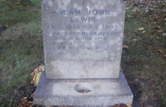 Gravestone of LEWIS Alan John 1993