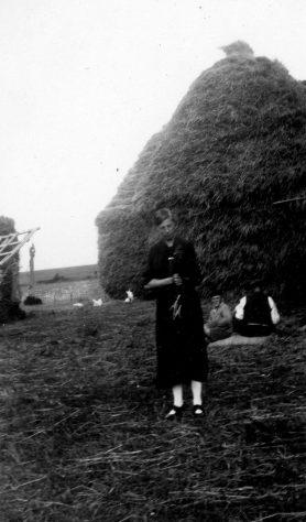 Annie Sharpe and farm workers at Bockhill Farm