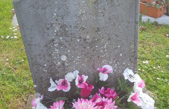 Gravestone of RYLAND Roger Banfell 1989