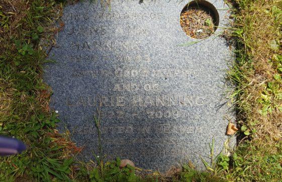 Gravestone of HANNING Jane Ann 2003; HANNING Laurie 2009