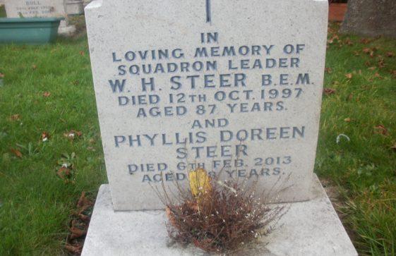 Gravestone of STEER Phyllis Doreen 2013; STEER William Henry 1997