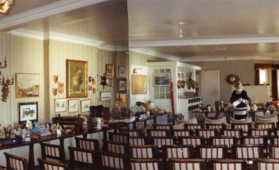 Granville Hotel, Hotel Road: Auction Day. 1994