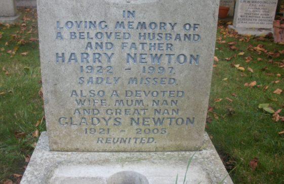 Gravestone of NEWTON Harry 1997; NEWTON Gladys 2005