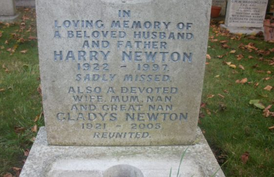 Gravestone of NEWTON Harry 1997; NEWTON Gladys Irene 2005