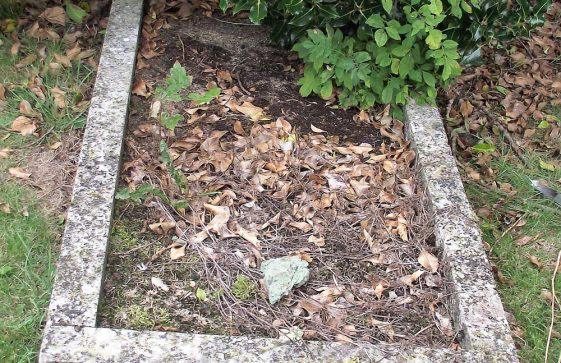Gravestone of CATT Anne 1933; CATT Arthur