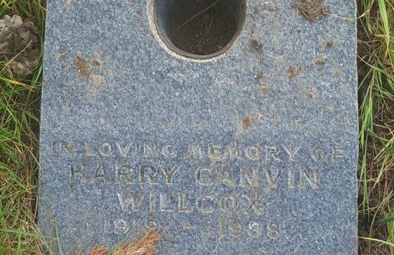 Gravestone of WILCOX Harry Canvin 1988
