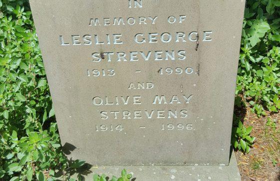 Gravestone of STREVENS Leslie George 1990; STREVENS Olive May 1996