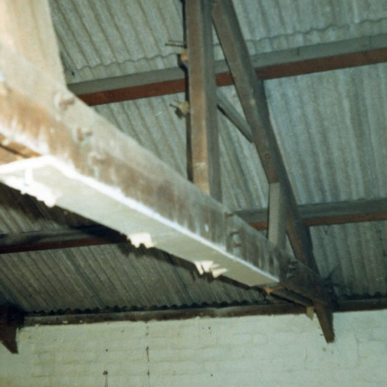 Exterior and interior of Wellard's Livery Stables (Jenner's Garage), Chapel Lane, immediately prior to demolition. 20th August 1986
