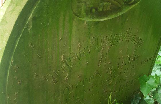 Gravestone of BAKER Horton 1906; BAKER Bathsheba 1916
