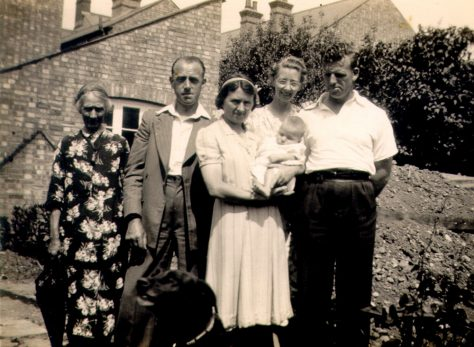 Alice Newman, Eric Finnis, Marjorie Scarfe, Mildred Scarfe and Jack Coward