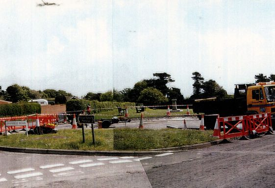Construction work to turning circle Bay Hill. 24 May 2006