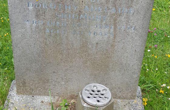 Gravestone of SKIDMORE Dorothy Adelaide 1974