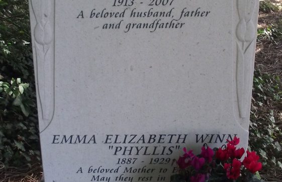 Gravestone of WINN Emma Elizabeth 1929; WINN Harold Bernard Goldsack 2007