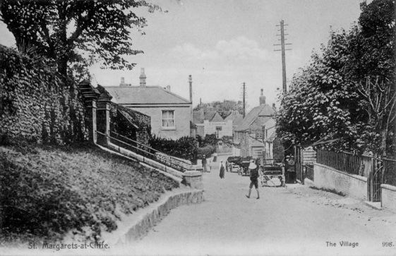 High Street with church steps and Carrier's Arms. postmark 1904