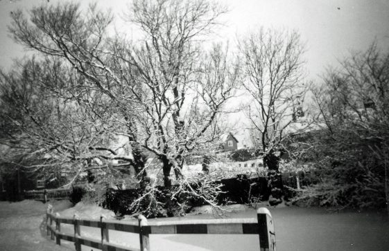 Kingsdown Road in the snow; Chapel Lane pond in the snow.1939