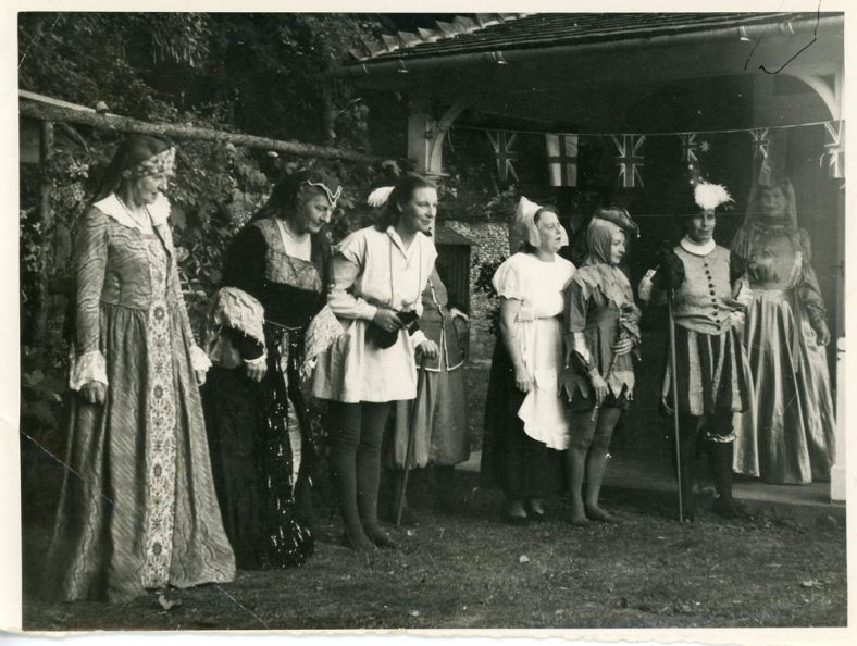 Cast of an unidentified outdoor production of St Margaret's Players