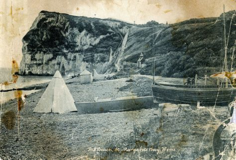 The west end of St Margaret's foreshore towards Ness Point. c1900