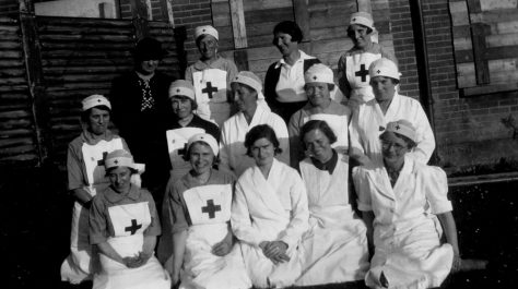 Annie Sharpe in a group photograph with other Red Cross nurses
