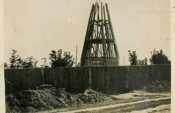 Building the Windmill at St Margaret's Bay. 1929
